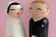 Should Japanese couples be allowed to keep separate surnames when they marry?