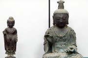 The Buddhas stolen from the Kannon-ji temple in Tsushima city. The Kannon Buddha is on the right.