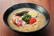Article claims that ramen noodles can cause baldness